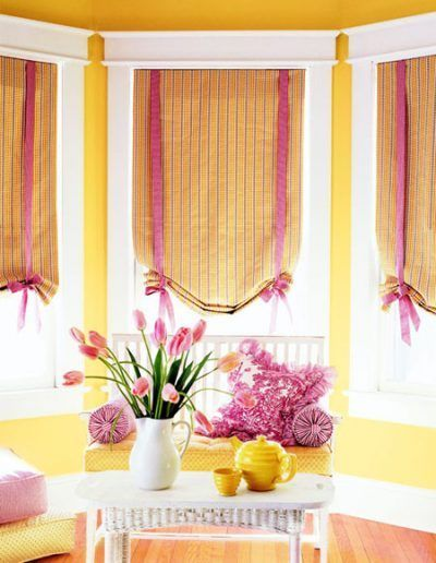 roman blinds girl