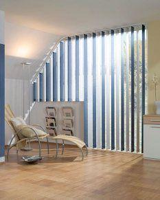 cortina vertical azul y blanca