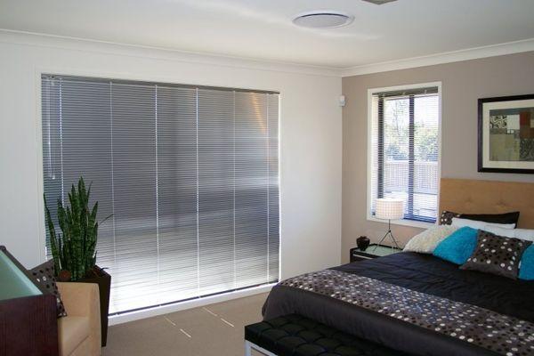 venetian aluminium room